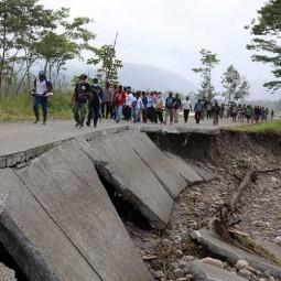 Jalan Trans Papua Terputus Karena Banjir, Warga Kesulitan Bahan Kebutuhan Pokok