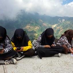 Sekolah di Batang Jawa Tengah Pasang Internet Gratis Untuk Siswa di Lima Titik Dekat Sekolah