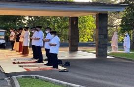 Presiden Jokowi Salat Iduladha di Halaman Wisma Bayurini, Istana Bogor