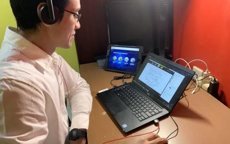 Ilustrasi - Remote working. PT EMLI bekerja sama dengan beberapa SMK di antaranya SMK Ora et Labora (Oel), SMK Don Bosco, dan BLK Don Bosco.  - Exxonmobil