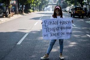 Pekerja Tempat Hiburan Malam di Bandung Gelar Aksi Tuntut Pembukaan Kembali Tempat Kerja Mereka