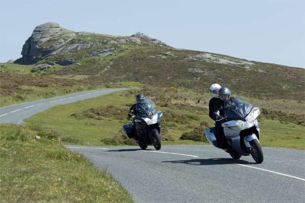 Touring motor gede. Riders harus mematuhi regulasi masing-masing wilayah terkait dengan fase new normal saat ini. Tujuannya jelas demi keselamatan bersama.  - triumph