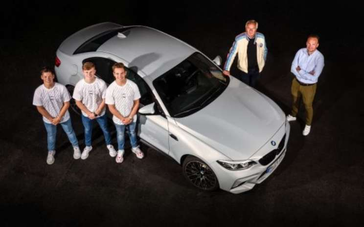 CEO of BMW M GmbH Markus Flasch; pendiri BMW Junior Team Jochen Neerpasch; dan BMW Junior Team : Dan Harper, Max Hesse, Neil Verhagen. - BMW