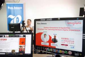 Bisnis Indonesia Bersama Telkomsigma Gelar Webinar Menyikapi Tren Teknologi Berbasis Digital Experience
