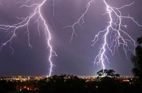 Cuaca Jakarta 7 Agustus, Hujan Disertai Kilat dan…