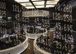Bursa Eropa Melemah Tertekan Saham Otomotif dan Perbankan