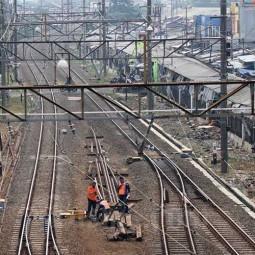 Pemerintah Siapkan Kebijakan Agar Penumpang KRL Tidak Menumpuk di Stasiun