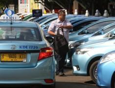 IMX LiveModz 2020 Tantang Modifikasi Mobil Bekas Taksi