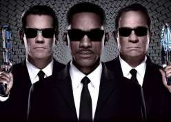 Sinopsis Film Men In Black 3, Nyawa Agen K Terancam