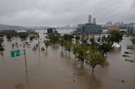 30 Orang Tewas Akibat Banjir dan Tanah Longsor di…