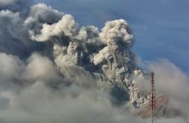 Gunung Sinabung Erupsi, Polisi dan TNI Patroli Cegah Warga Masuk Zona Merah