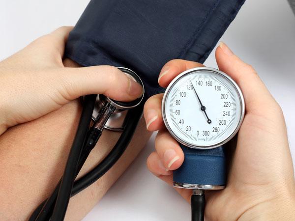 Cek tekanan darah - boldsky.com