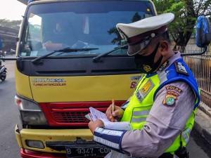 Mulai Hari Ini Polda Metro Jaya Berlakukan Sanksi Tilang Untuk Pelanggar Ganjil-Genap