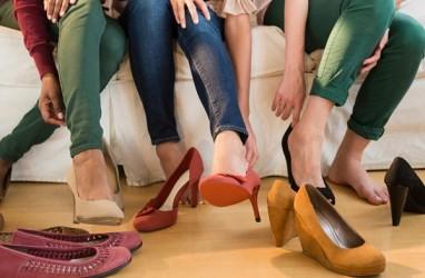Sepatu High Heels Bisa Ganggu Kesehatan Tulang Belakang