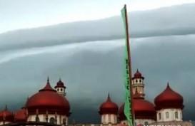 Fenomena Awan Hitam Mirip Gelombag Tsunami di Aceh karena Dinamika Atmosfer