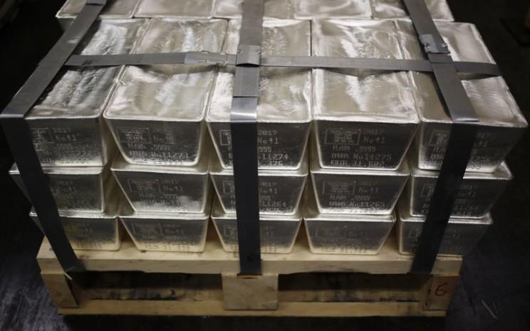Perak batangan. Dalam periode tahun berjalan, kenaikan harga perak mencapai 59 persen, melampaui cuan harga emas di kisaran 34 persen. / Bloomberg