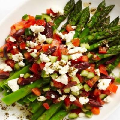 Untuk Anda Yang Vegan Ini Resep Salad Asparagus Traveling Bisnis Com