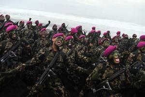 Pembaretan Perwira Remaja dan Bintara Remaja Korps Marinir TNI AL Digelar di Pantai Baruna Kondang Iwak Jawa Timur
