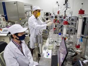 Vaksin Covid-19 Buatan Indonesia Akan Selesai Diproduksi Pada 2021