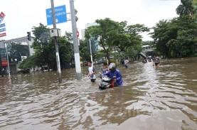 Pos Angke Hulu Siaga III, Waspada Banjir untuk Warga…