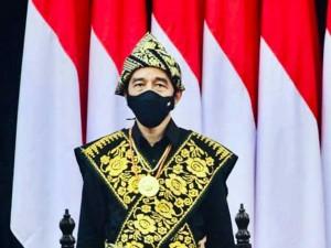 Presiden Joko Widodo Mengenakan Kain Tenun Khas Sabu Raijua dari NTT Saat Hadiri Sidang Tahunan MPR