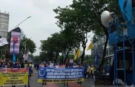Demo Tolak Omnibus Law Jelang Jokowi Pidato RAPBN di DPR