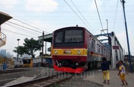 Stasiun Tanah Abang Berlakukan Akses Tunggal, Pengguna KRL Diminta Jaga Jarak