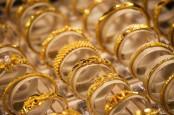 Cut Meyriska dan Hala Gold Kenalkan Tiga Koleksi Emas Perhiasan