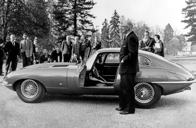 Jaguar Classic Hadirkan E-type 60 Edisi Terbatas 6 Pasang