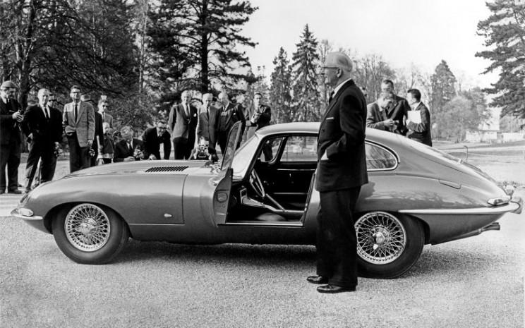 Jaguar Classic Tipe-E.  - Jaguar