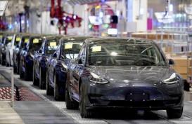 Lindungi Anak-anak, Tesla Buat Sensor Deteksi Mobil Overheated