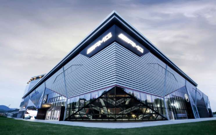 AMG Experience Centre pertama dunia di Zhejiang International Circuit, China.  - DAIMLER