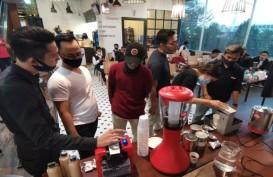 Koffee Talk Grand Edge Hotel Rayakan Hari Jadi Pertama
