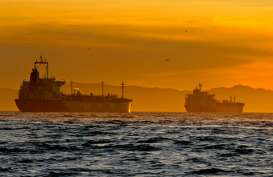 Badai Teluk Meksiko Hangatkan Harga Minyak Global