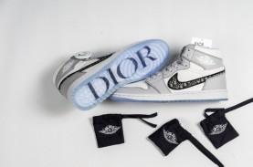 Air Jordan 1 dan Dior, Kolaborasi Sneakers dan Fashion,…