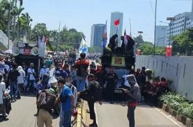Demo Buruh Tolak Omnibus Law di DPR, Rute Transjakarta…