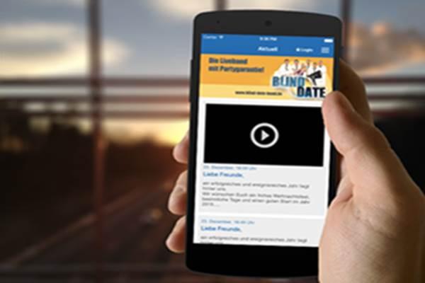 Aplikasi 'kencan buta' di smartphone - blind/date/band.de