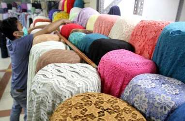 Produk Tekstil Asing Masuk Lewat Jalur Tikus Perburuk Industri Lokal
