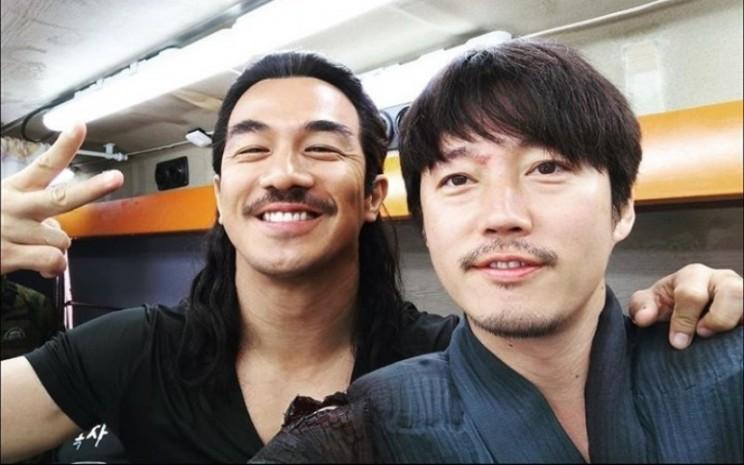 Joe Taslim dan Jang Hyuk