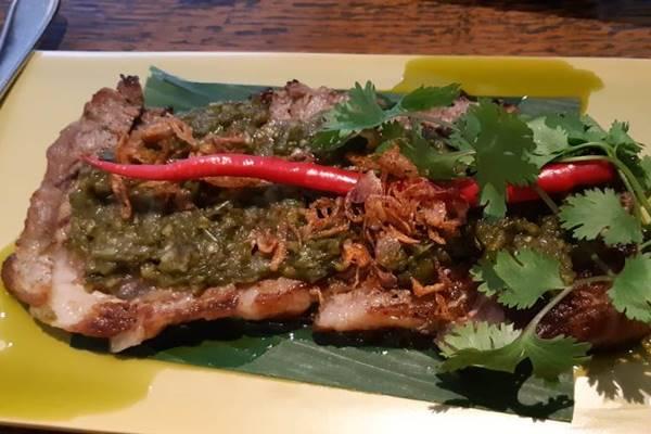 Steak Sirloin US yang dipadukan dengan cabai ijo khas Indonesia. JIBI/BISNIS - Dewi Andriani