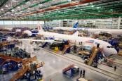 Diterpa Cacat Produksi, Boeing Kandangkan Delapan Dreamliner