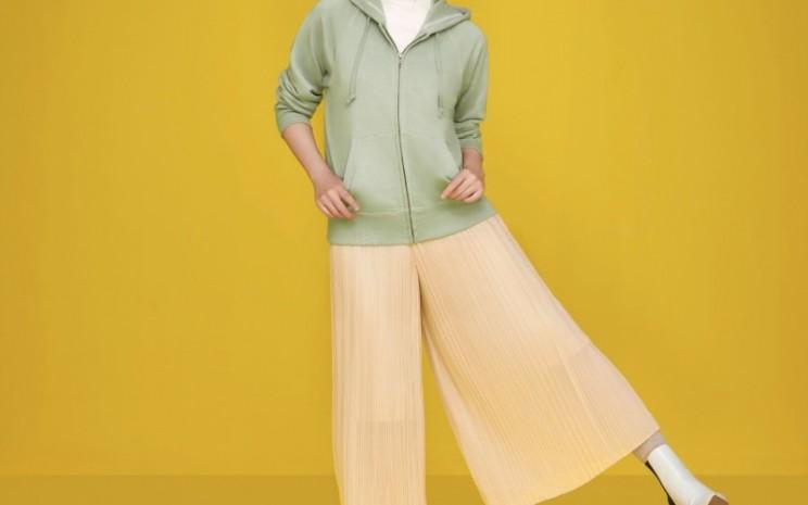 Gaya fashion Isyana Sarasvati