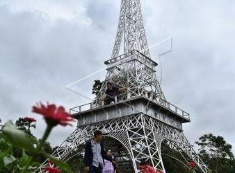 Liburan ke Menara Eiffel Semarang, Cukup Bayar Rp10.000