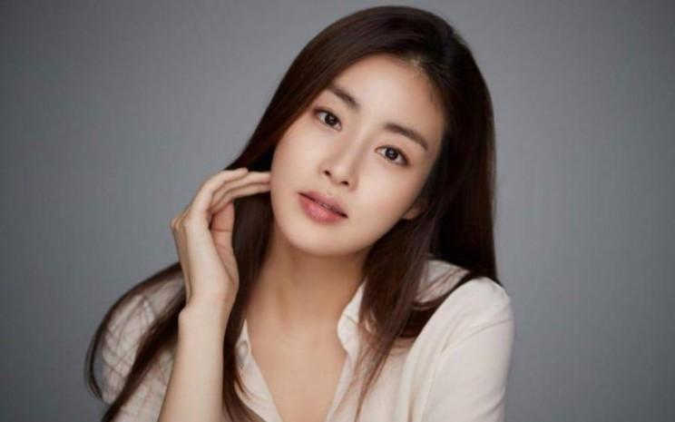 Kang Sora membagikan tips cantik. - Soompi
