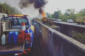 Ada Truk Boks Terbakar, Tol Sentul Arah Ciawi Padat