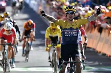 Primoz Roglic Menangi Etape IV Tour de France di Puncak Alpen