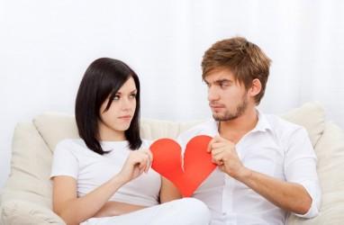 Sembilan Cara Melewati Masa Putus Cinta