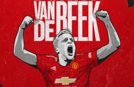 Pindah ke MU, Van de Beek Boyong Pacar Cantiknya ke Manchester