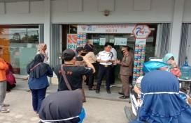 Tak Mampu Atasi Kerumunan Nasabah, BNI Kayuagung Ditegur Satgas Covid-19