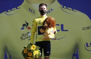 Adam Yates Bertahan di Pucuk Klasemen Tour de France
